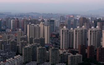 """在郑州的""""空巢青年"""" 月存多少钱才能买房?"""