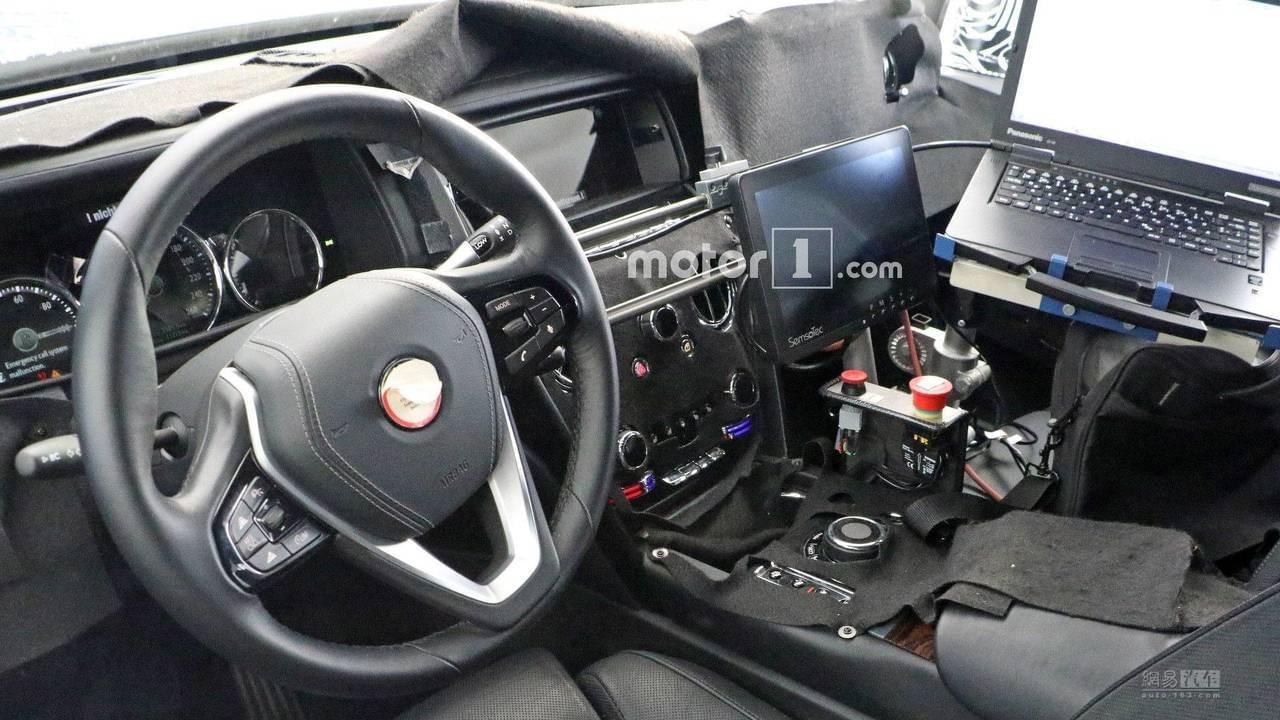 依旧还是对开门 劳斯莱斯SUV将明年发布