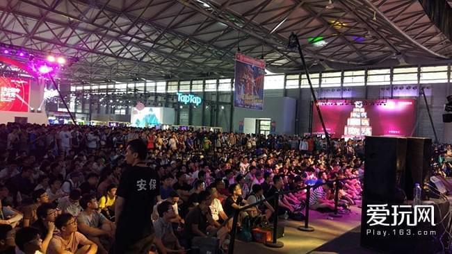 Chinajoy2017首日:网易暴雪展台人气爆棚