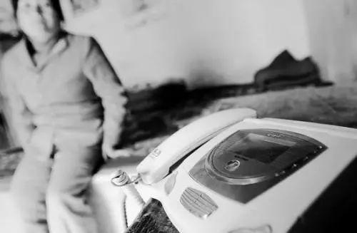 曲湿湿:14岁女孩开房被打骨折:早恋的孩子该如何拯救?