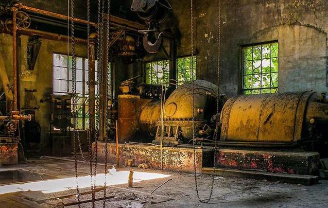 美国一百年钢厂废弃
