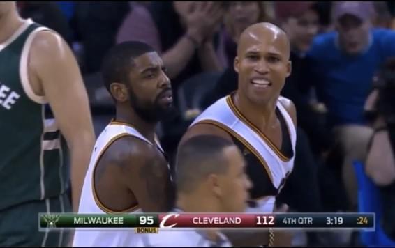 Jefferson抱摔對手遭驅逐 怒扔球衣到觀眾席  Irving:罰款我來付
