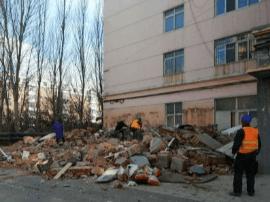 长春春城街道拆违建 还居民整洁生活环境
