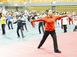 全国老年人柔力球教练员 裁判员培训班在陕州开班