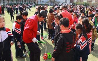 邯山区:小小空竹大技艺 传承中华传统文化