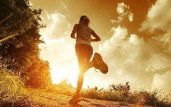 4种运动帮助你缓解肩关节痛
