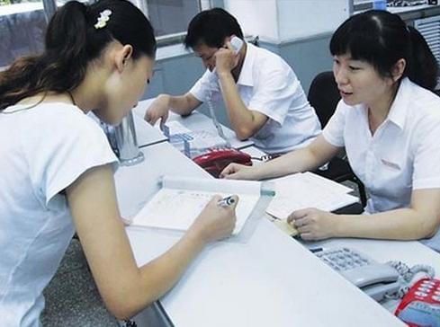 大学生打工遭欠薪 老板说没干满一月不发工资
