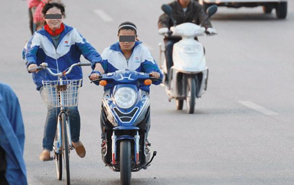 太原就电动自行车管理条例征意:满16岁才能骑