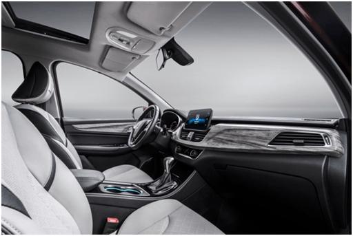 终于有了自动挡 宝骏730DCT车正式型上市