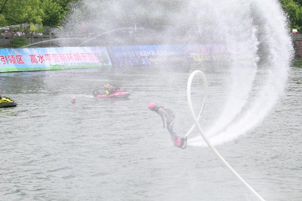 酷呆!今天金华在水上上演了一场速度与激情