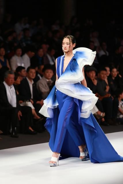 Maryma春夏高定秀 将眼中的绝世美景做成衣服
