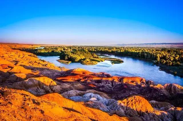 新疆最美的8条自驾路线 快开车来吧!