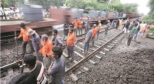 印度升级铁路招工9万 2800万人应聘凸显就业难题