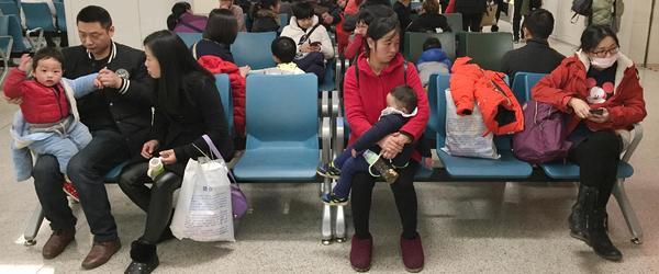 中国儿科医生短缺,2000孩子只有一个医生