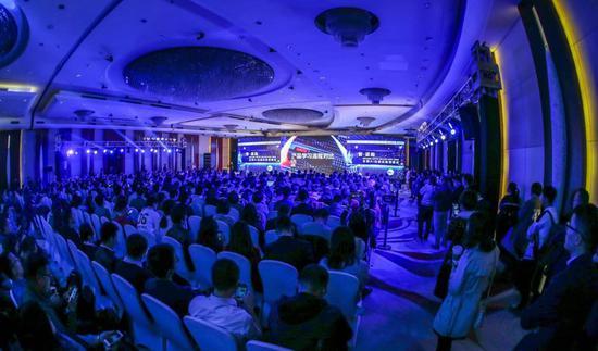 2018年AI智适应教育峰会:中国在AI落地方面走在世界前列