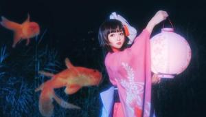 《阴阳师》夏日祭樱色金鱼cos 俏皮可爱小萝莉神乐登场