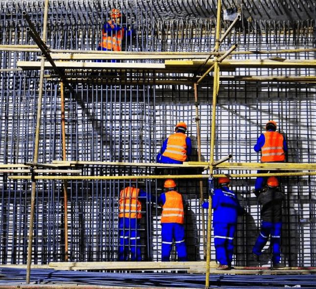 地铁新华广场站完成钢管柱施工