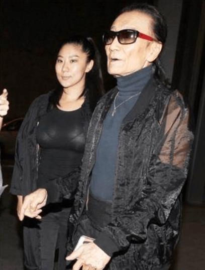 81岁谢贤爆与小49岁女友分手 谢霆锋说话了