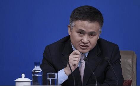 央行副行长:有企业借海外收购足球俱乐部转资产