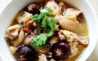 入冬后都喝这个汤 天凉喝一碗胃暖暖的