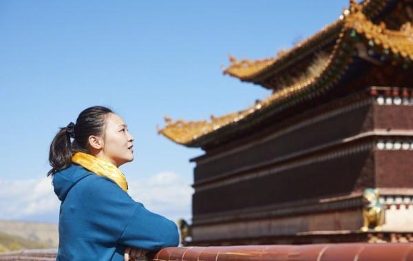惠若琪圆满结束青海支教