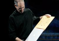 10年前的今天,乔布斯从档案袋里拿出了MacBook A
