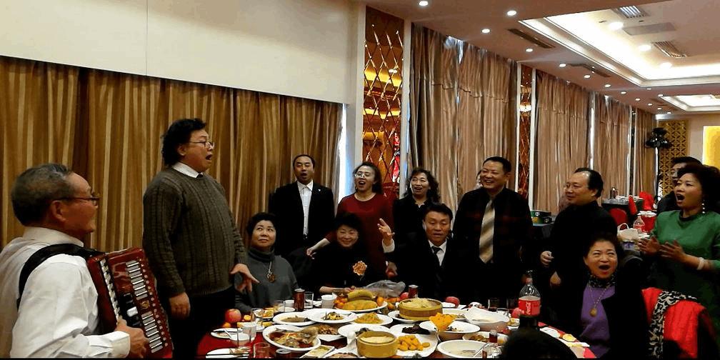 精彩饭局 歌唱家冯宝宏大同弟子唱真好