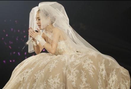 滨崎步连续17年办除夕演唱会 一共招待了50万人次粉丝