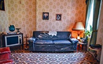 纽约移民博物馆展出华人公寓 移民史承载时代变迁