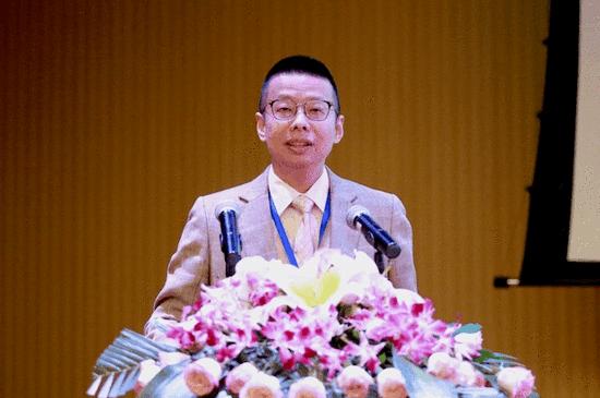 党委书记、校长陆丹致欢迎辞