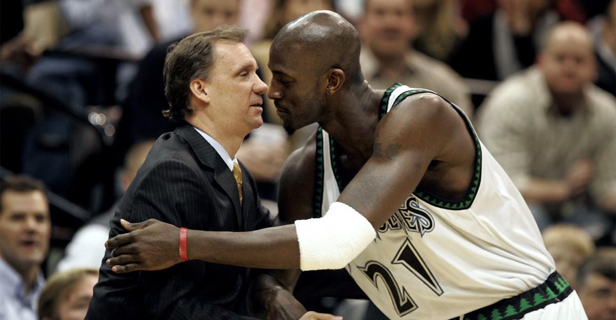 被锁喉,累到咳血,甚至患癌!NBA教练到底多苦?有人说活得像只狗