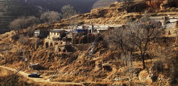 六位老人成村子最后居民 相伴过余生