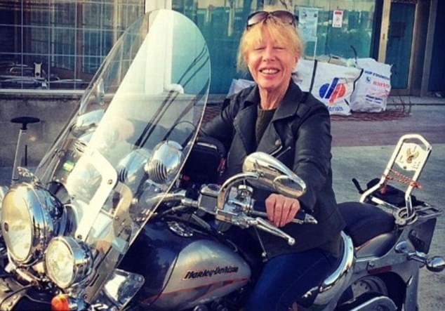 72岁老妇只身环游世界