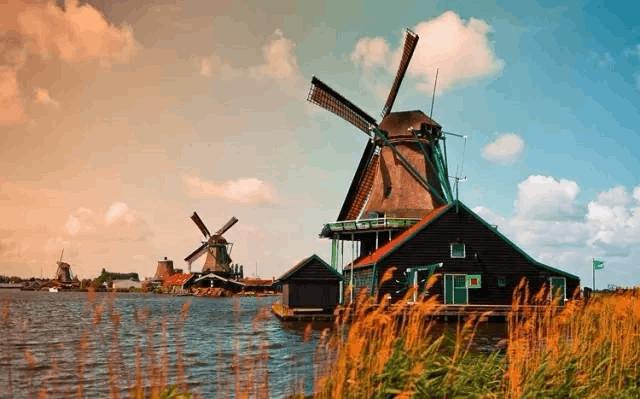 为什么荷兰人工作时间那么少 人家还那么富裕?