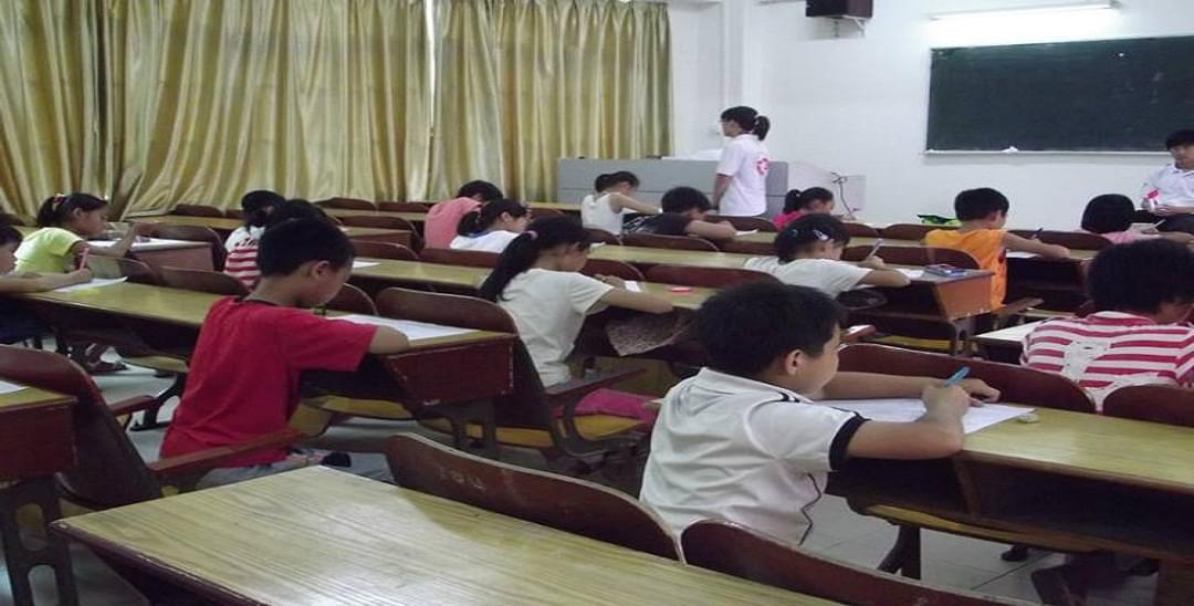 教育部严防学校将课后服务变成集体补课