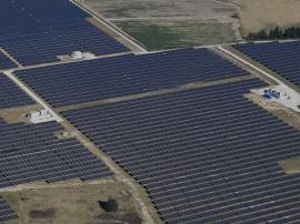 太阳能越来越便宜?为何人们依然多用化石燃料