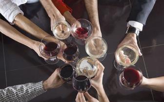 经常喝酒的注意了 出现这些症状可能癌变了