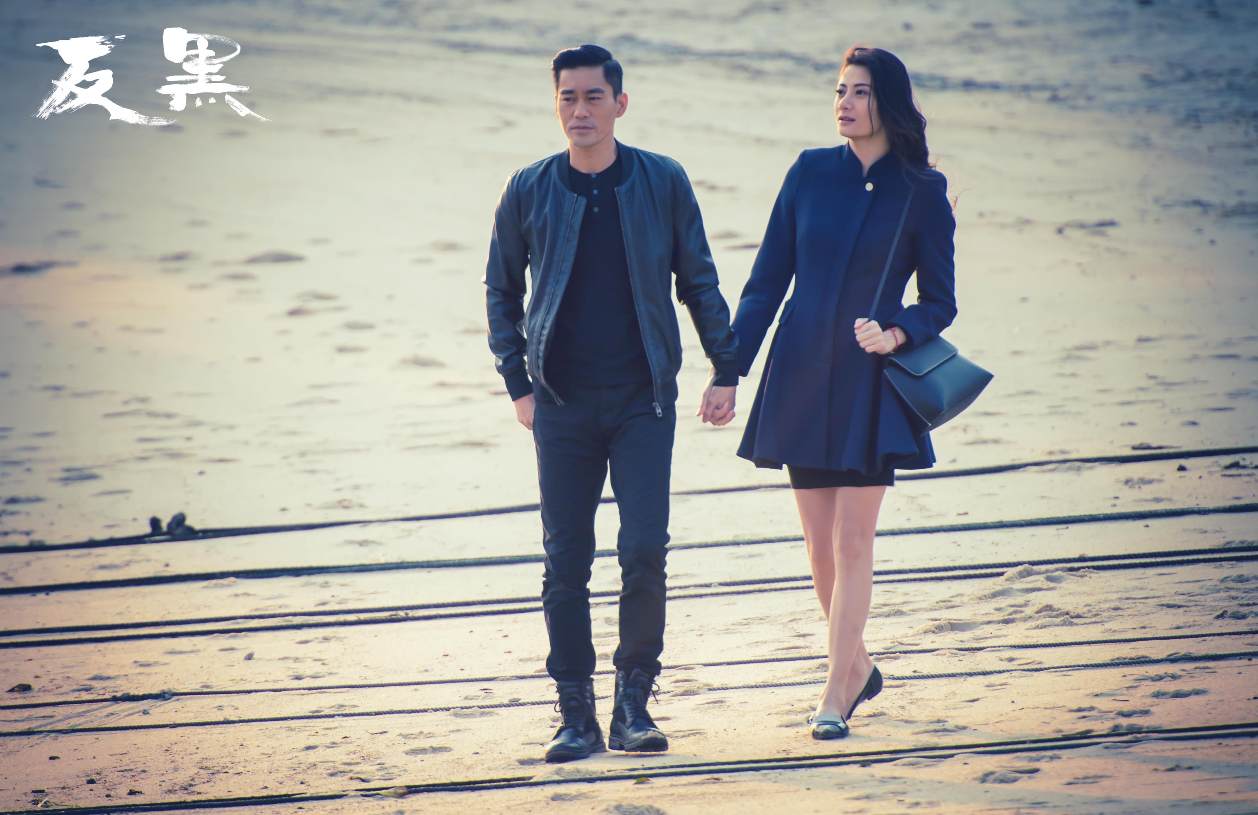 陈国坤首任监制破十三亿 与妻儿同剧演出超有爱