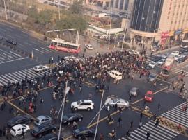 地铁勘探占道迎泽大街拥堵 交警建议这样出行