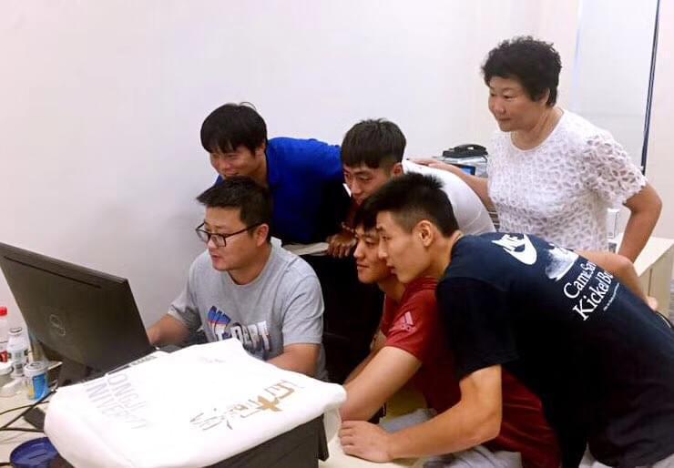 踢完亚冠去上大学 武磊等上港4大将参加开学典礼