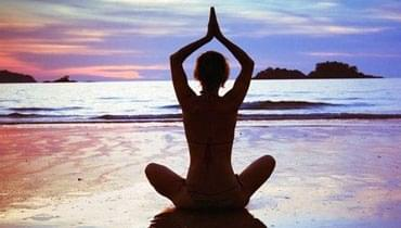 盘点7个超人气瑜伽动作 最适合上班族的瘦腿方法