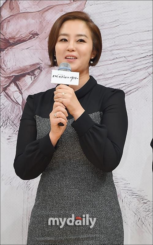 韩星李才恩与结婚11年丈夫离婚 曾是师生恋