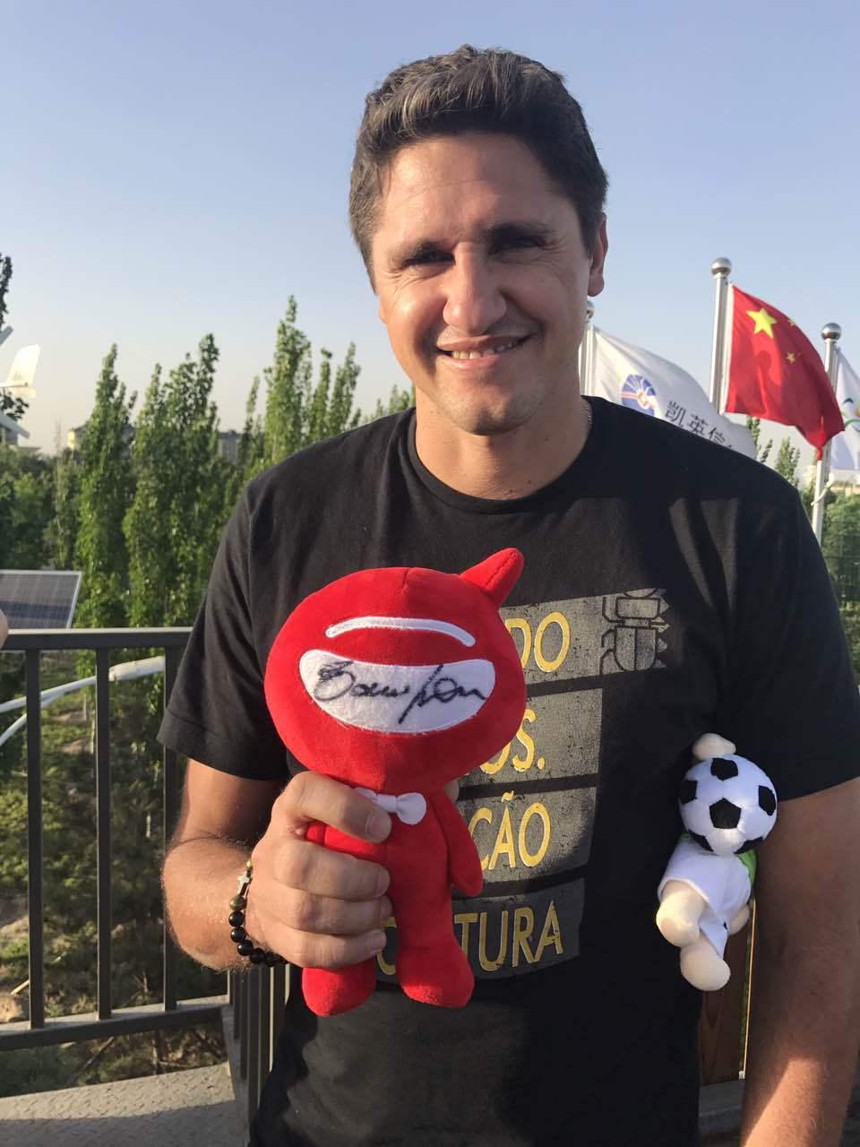 网易专访巴萨名宿:预测皇马0冠 欧冠决赛尤文2-0