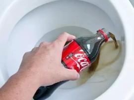 还有这种操作?搞卫生时你需要的不是清洁剂而是可乐!