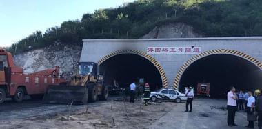 河北张石高速爆炸事故已造成12人死亡