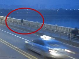 女子从湘江一桥跳下 疑感情受挫行为过激