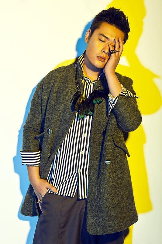 演员张桐炫彩写真曝光 这样的他很带感