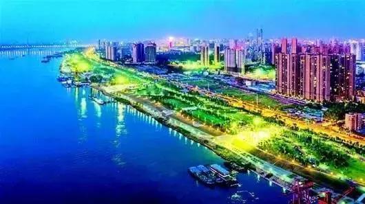 武汉青山江滩二期开园迎客,听说这里看晚霞最美!