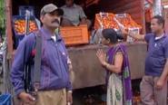 番茄涨价印度保安持枪守卫