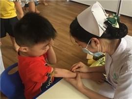 寮步为1.4万多名在读幼儿提供免费健康体检